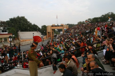 Crowd- India- Pakistan border